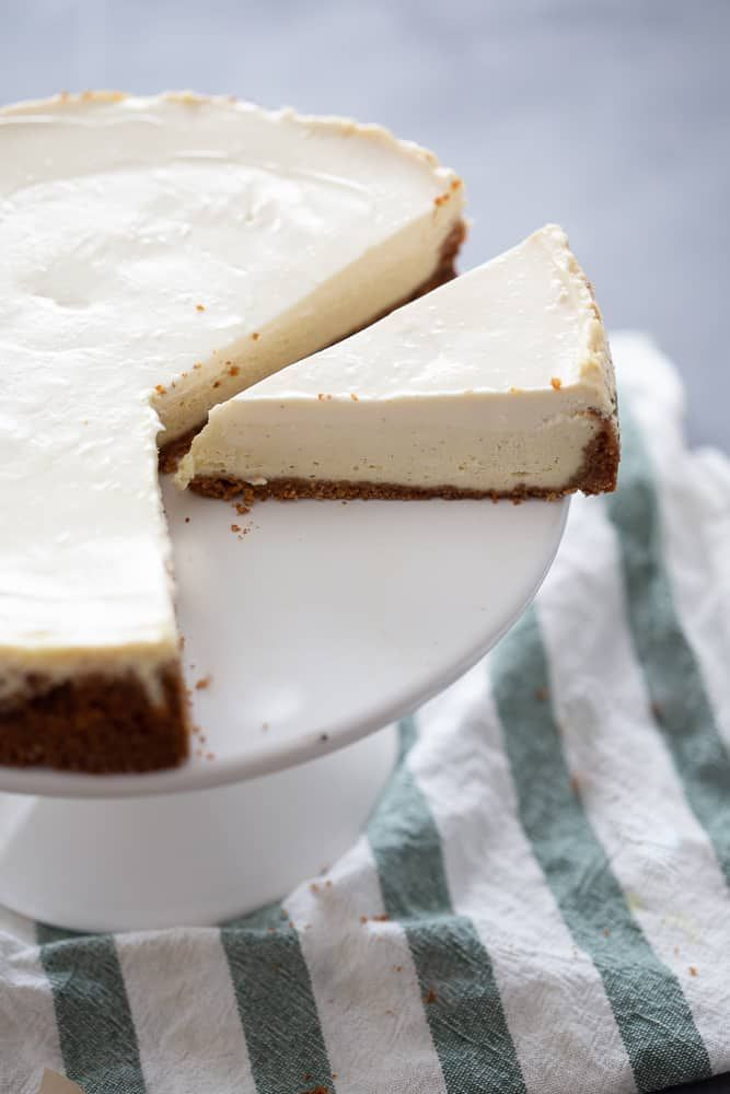 Classic Cheesecake With Sour Cream Topping Recipe Cheesecake Recipes Classic Sour Cream Cheesecake Classic Cheesecake
