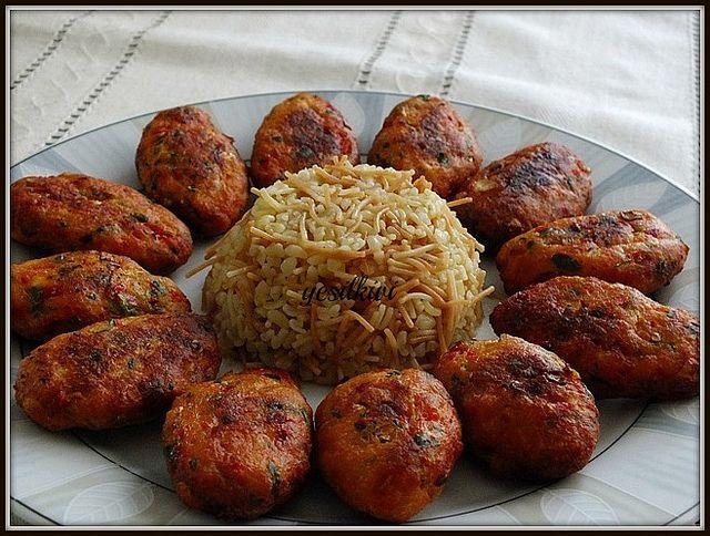 TAVUKLU & KÖZ BİBERLİ KÖFTE - yesilkivi - denenmiş, fotoğraflı tatlı ve yemek tarifleri...