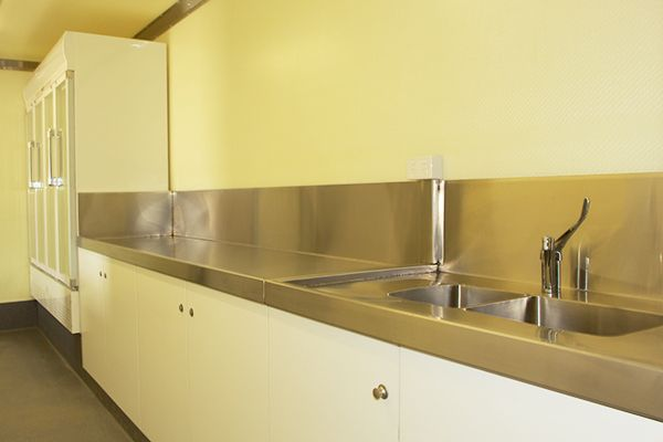 Custom Container Kitchens & Bars - Crawford