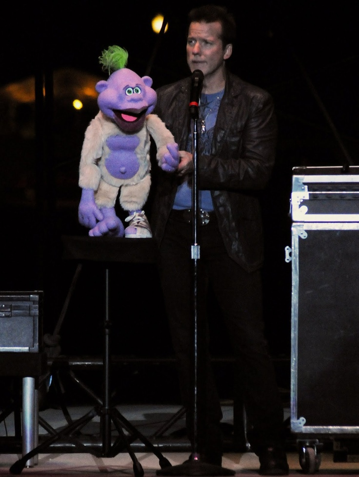 Jeff Dunham Amazing. Peanut is my favorite!!