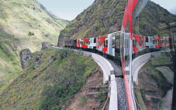 Ecuador: una travesía en el tren que encarrila paisajes