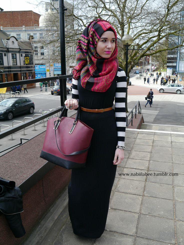 I have that shawl already. So all I need is a black dress and a striped inner. I kind love this look.