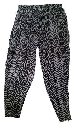 Black and White Cropped Boho drape Pants – 365 Days Of Resort Wear