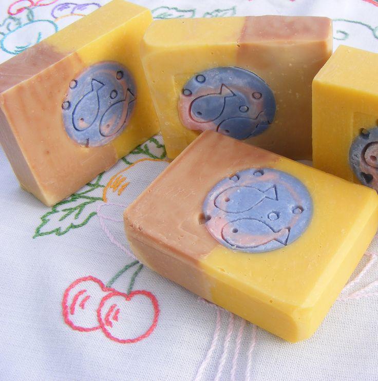 Mandala szappan, sütőtök szőlőlé felhasználásával  www.facebook.com/pages/Szappanmóka/297212303786604