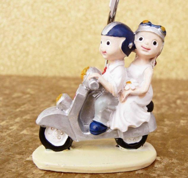 Marturie nunta mire si mireasa pe motocicleta