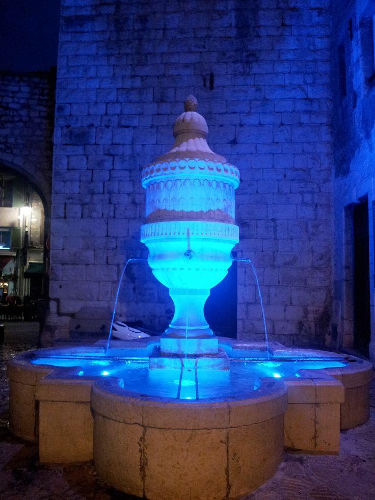 vence blue fountain