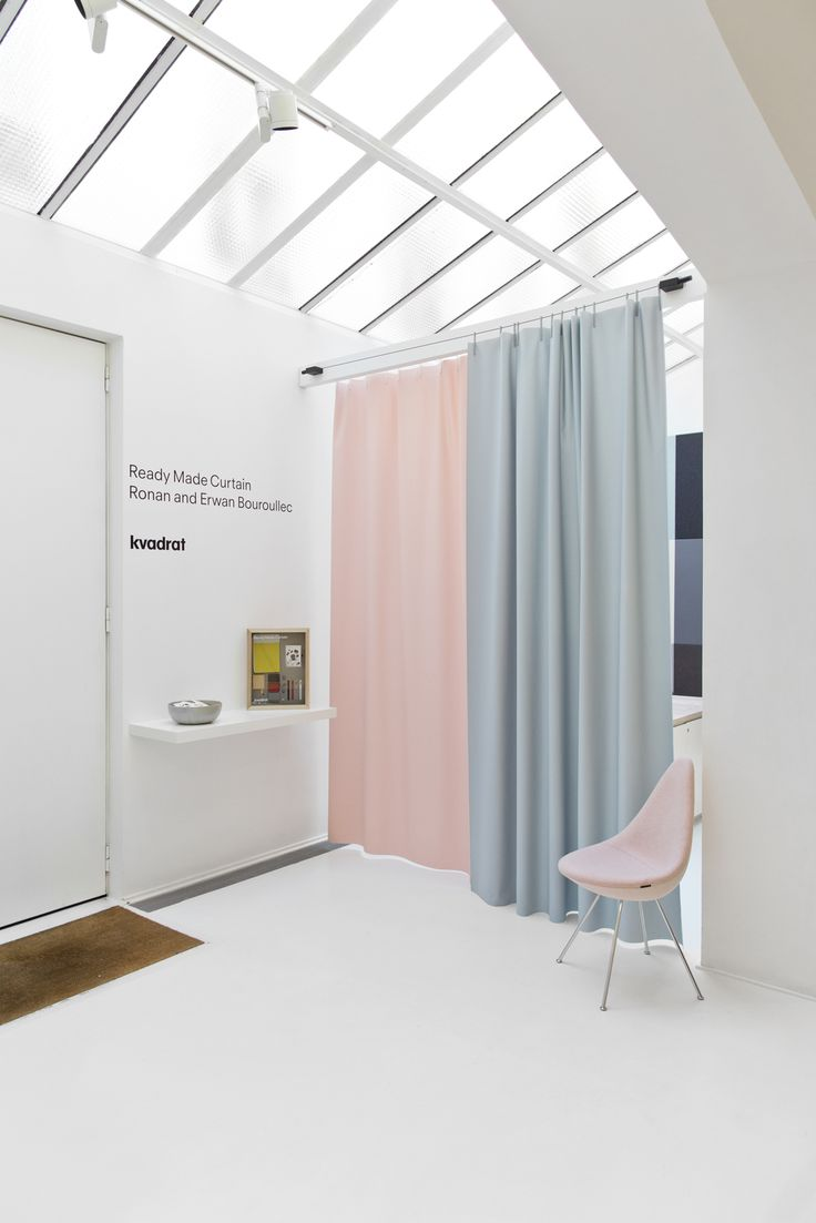 Sheer colours and simple design in our Paris showroom. The re-edition of Ronan & Erwan Bouroullec's Ready Made Curtain and the new furniture collection by Fritz Hansen in our Paris showroom.