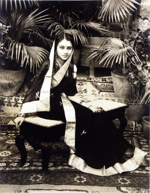 Love this portrait of Maharani Vijayaraje Scindia, of Gwalior. Very elegant.http://www.pinterest.com/shonati/royals/