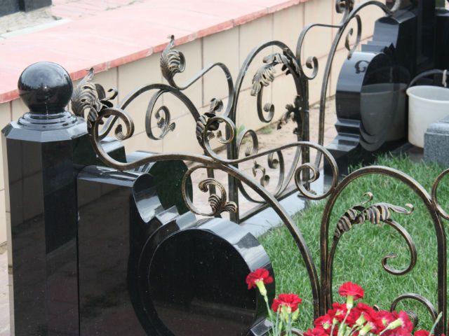 Качественные кованные ограды на могилу