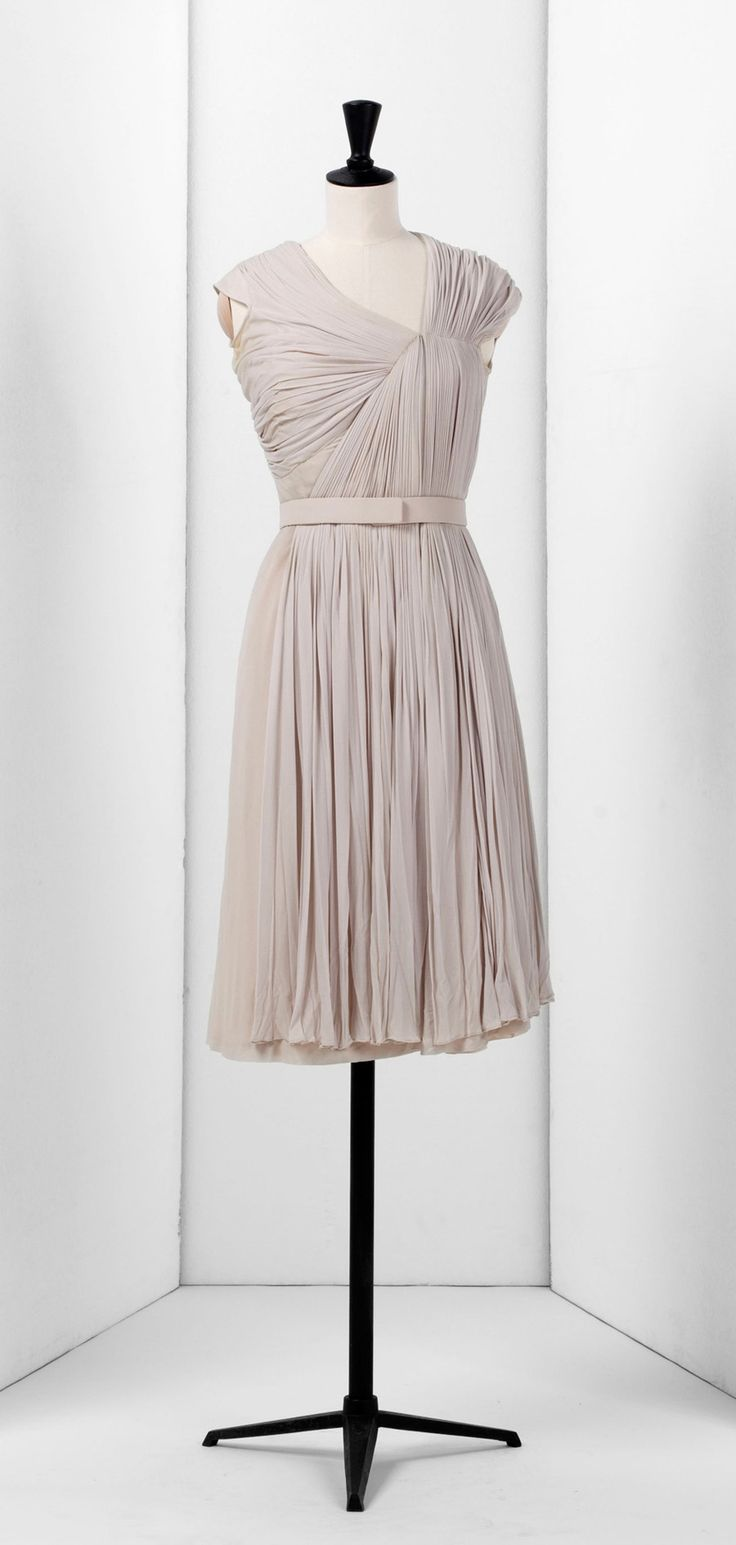 so pretty: Vintage Gowns, Cocktails Dresses, Bridesmaid Dresses, Dinners Dresses, Leather Belts, Mrs. Sandstone, Grey Dresses, Cheer Parties, Madame Gres