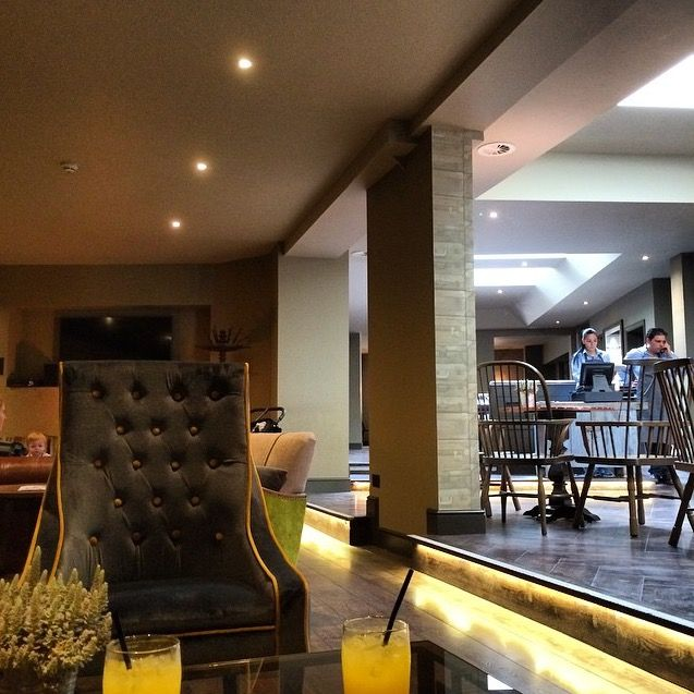 Relaxing Space at the Kings Head Bar & Lounge #KingsHeadHotel #KingsHeadCiren #Cirencester #TheCotswolds
