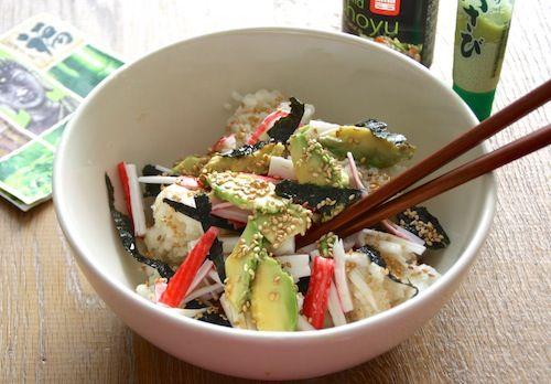 Een ideaal recept voor als je trek hebt in sushi, maar geen zin hebt om urenlang zwetend te staan rollen in de keuken!