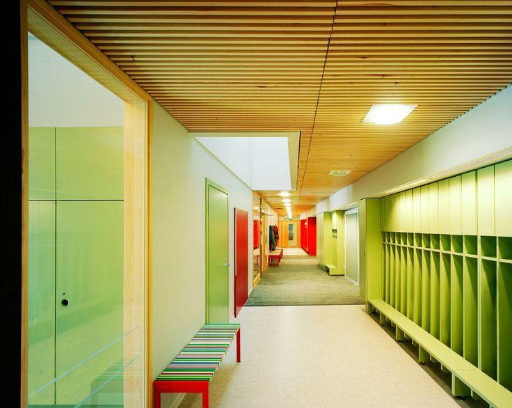 bright and colorful daycare idea  Ajurinmäki-Daycare-Center-Interior-2.jpg (1000×797)