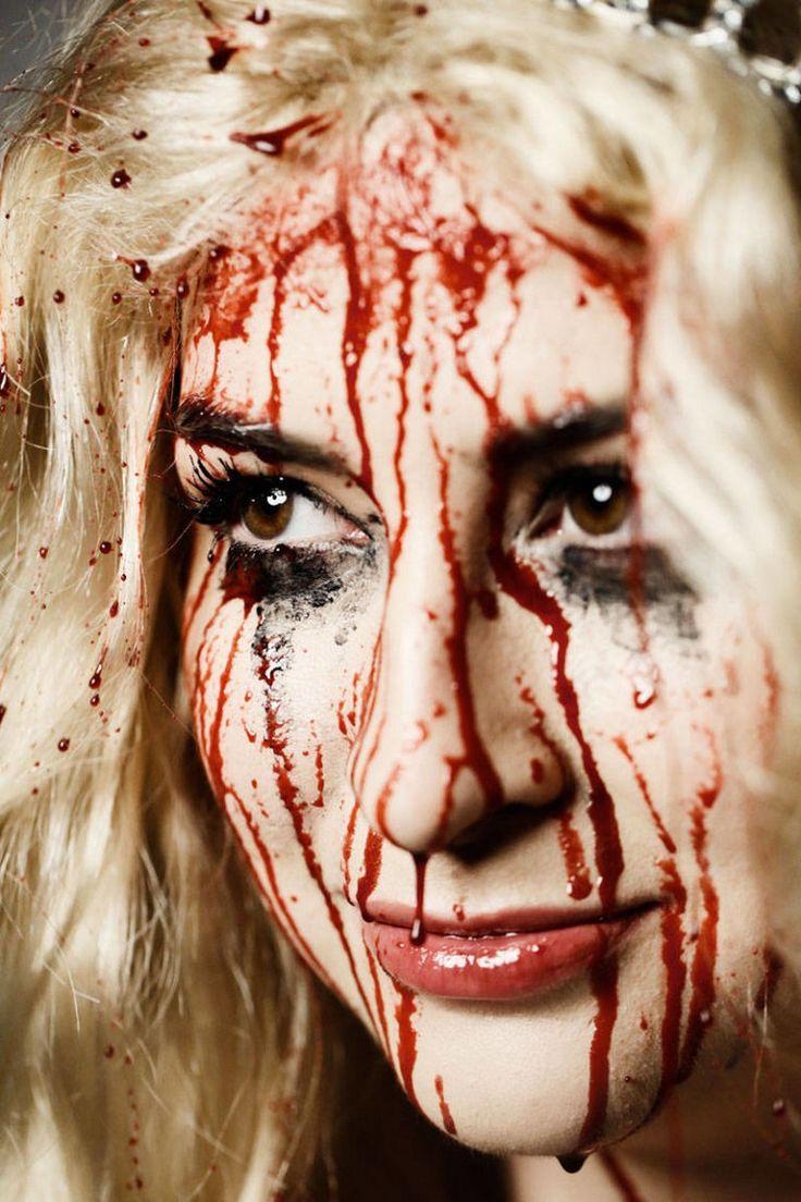 Id e de maquillage halloween femme mascara et faux sang fait maison maquillages halloween - Comment faire du faux sang ...