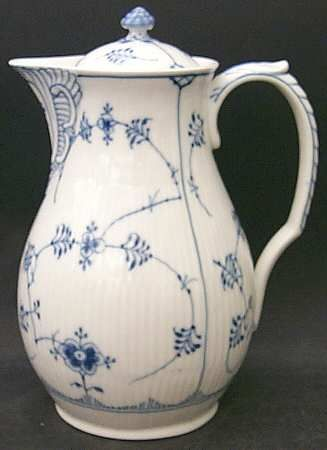 Royal Copenhagen blue fluted chocolate pot. Some day i'll have have this collection.