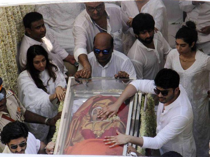 Sridevi Kapoor: Tausende Menschen nehmen in Indien Abschied