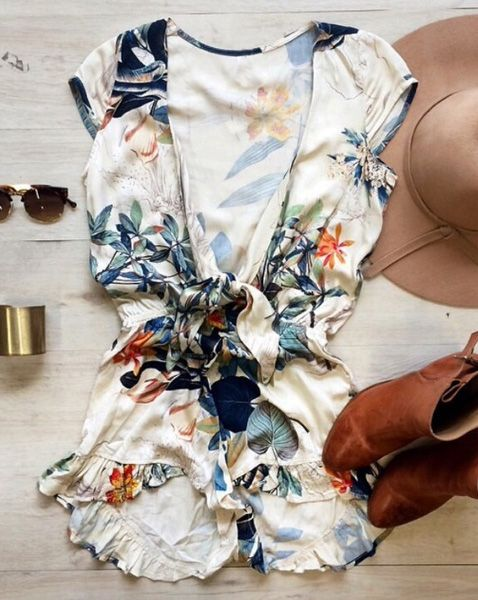 Stylish Plunging Neckline Floral Print Romper For Women #Fashion #Style #Women #Floral #Print