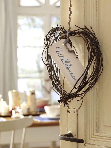 die 25 besten ideen zu willkommen zuhause auf pinterest stickrahmen handwerk wohnen und. Black Bedroom Furniture Sets. Home Design Ideas
