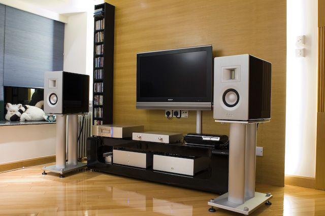 """Phil Jones - AAD 7001 ,Audiophile High End Speakers"" !...  http://about.me/Samissomar"