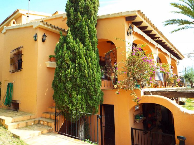 Traditionele 5 Slaapkamer Villa Naast Moraira Haven - https://plus.google.com/+Villaslasellajavea/posts/5gAmVZeUmr3