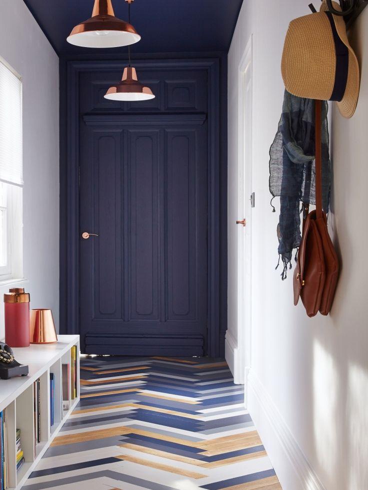 les 59 meilleures images du tableau entr es couloirs escaliers sur pinterest boiserie noire. Black Bedroom Furniture Sets. Home Design Ideas