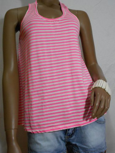 Camiseta playera rosa fluorescente