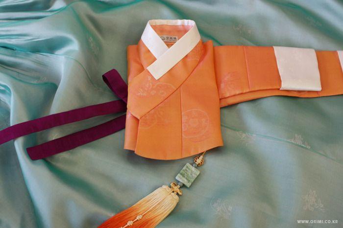 오리미한복 :: 사뿐한 광택의 옥색 치마에 주홍 저고리, 오리미 신부한복