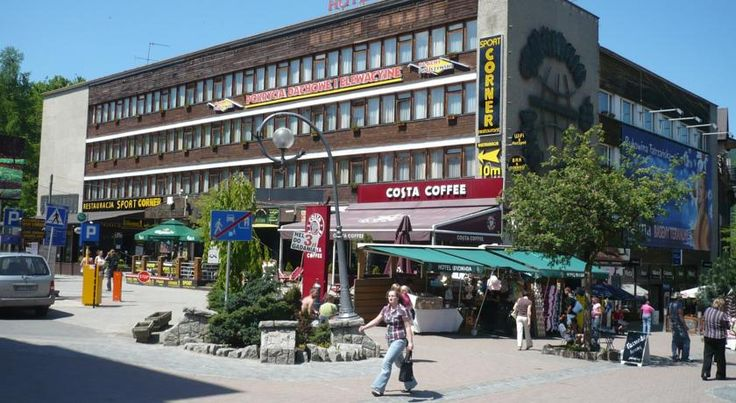 Hotel Gromada Zakopane Zakopane Gromada Zakopane is located about 50 metres from Krupówki Street, the main street of this popular Tatra mountain resort town. It offers basic rooms with free WiFi.  The rooms of the Gromada all feature a desk and a TV.