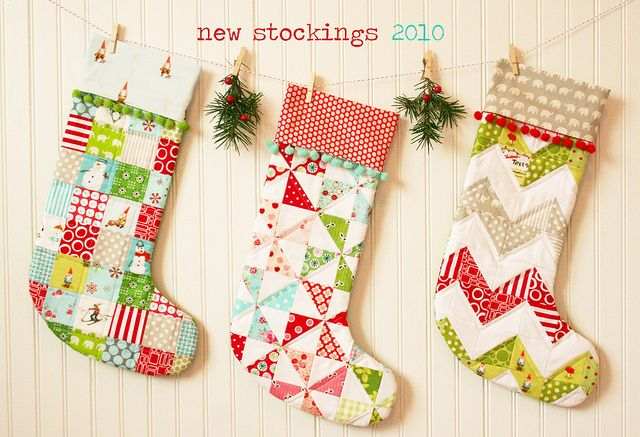 quilted stockings: Quilts Stockings, Quilts Patterns, Blossoms Patterns, Stockings Ideas, Merry Patterns, Pom Pom, Patchwork Christmas, Quilts Christmas Stockings, Stockings Patterns
