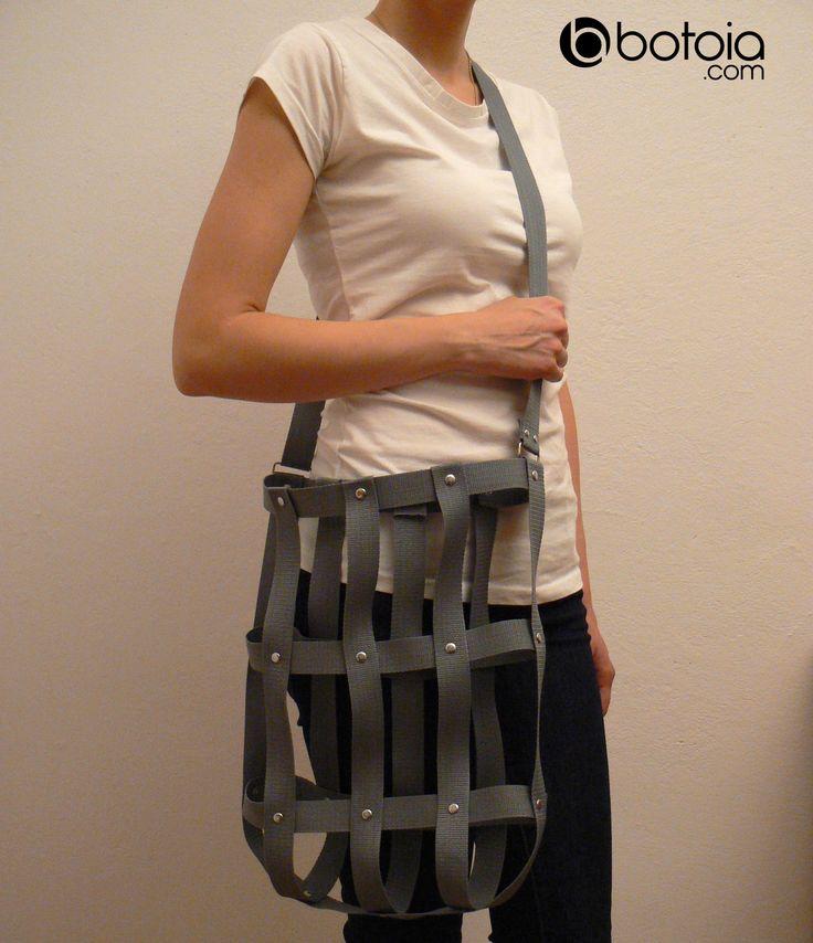 grey shoulder street bag with rivets www.botoia.com