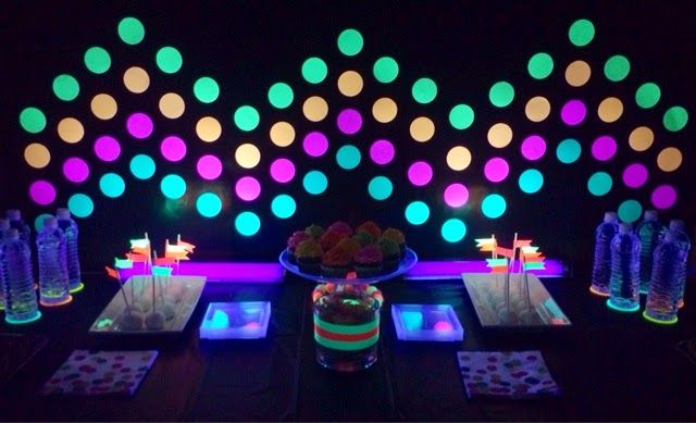 : Glow in the dark party