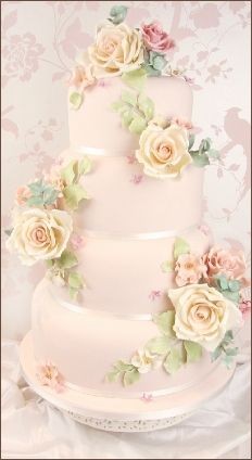 Vintage Sugar Rose Cake by Couture Cakes