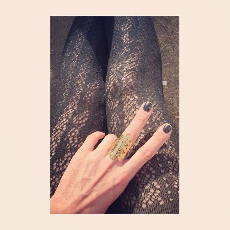 Knuckle gold VRjewelry ring