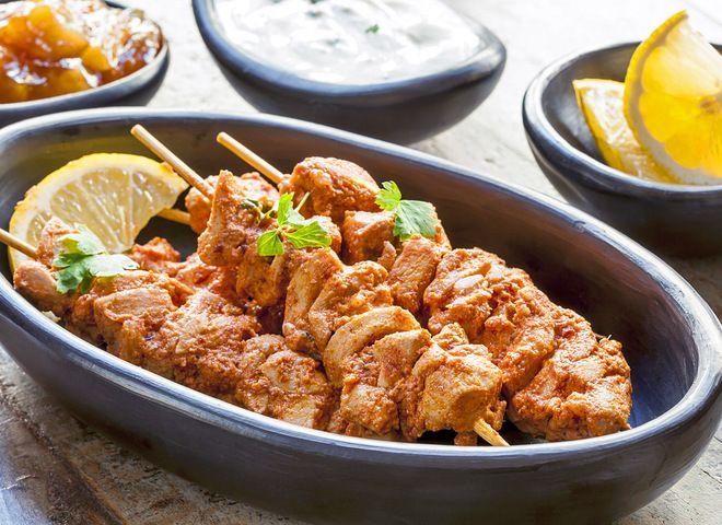 Шашлык из курицы с лимоном и медом   Ссылка на рецепт - https://recase.org/shashlyk-iz-kuritsy-s-limonom-i-medom/  #Мясо #Птица #блюдо #кухня #пища #рецепты #кулинария #еда #блюда #food #cook