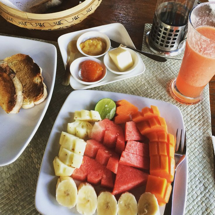 Breakfast of tropical fruit, juice & toast with housemade jam #balifixblog