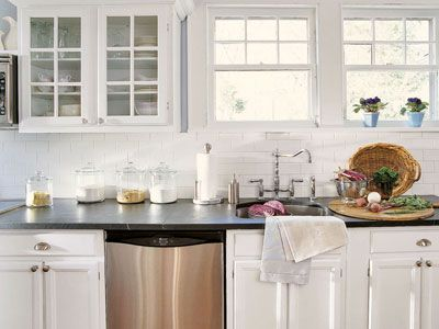 30 Quick Tips to Freshen Every Room for Spring: kitchen, bathroom, bedroom, living room, laundry room, and outdoor rooms.     #springcleaning #tips