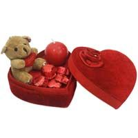 Want to impress your love then why not her/his favorite #Chocolate gift. It's a perfect gift to express your emotions and feelings. You can find delicious chocolates bouquets at Ferns N Petals and send chocolate online India. http://www.fnp.com/chocolate/chocolates-1-86-t.html
