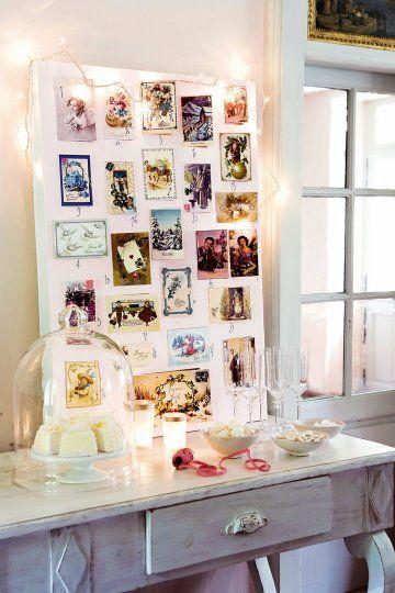 Un calendrier de l'avent fait de cartes postales - Advent calendar with postcards