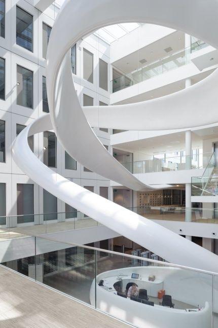 FrieslandCampina Innovation Centre  - Fokkema & Partners Architecten - Atrium - Reception desk