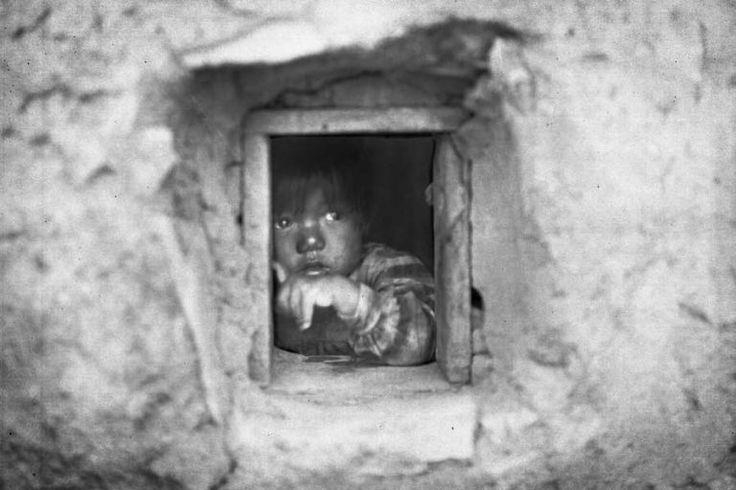 Un niño Hopi retratado en el año 1900.