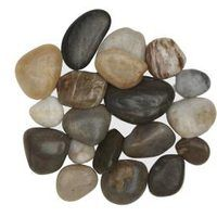 River rocks create eye-catching placemats for home decor. Their natural colors, varied shapes, smooth feel and light-catching luster make them an appealing material to enhance a green, natural or eclectic decor style. Making river rock placemats gives you an inexpensive way to decorate your table with natural materials that blend well with any...