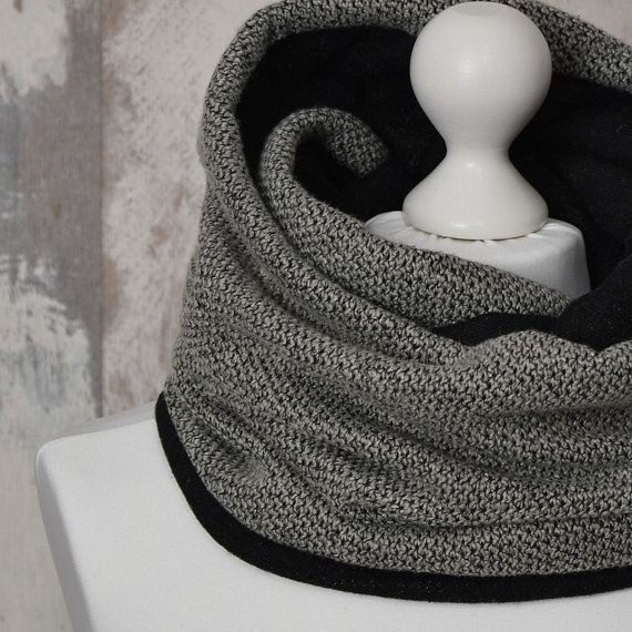 Chunky Infinity Scarf, Double-sided, Beige and Black Snood, Double Loop, AtelierWhiteMouse  #WarmScarf #DoubleLoop #WinterScarf #ChunkyScarf #BicolorScarf #BlackScarf #MenScarf #InfinityScarf #BeigeScarf #snood