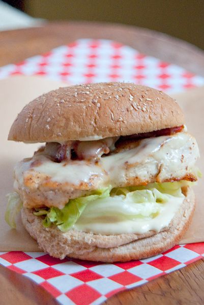 Chicken, Bacon, and Swiss Sandwich from @Lana Stuart | Never Enough Thyme http://www.lanascooking.com/2013/05/07/chicken-bacon-and-swiss-sandwich/Chicken Sandwiches Chees Bacon, Chicken Bacon Swiss Burgers, Bacon Sandwiches, Chicken Breast Sandwiches, Swiss Cheese Chicken, Chicken Burgers, Food Sandwiches Wraps, Swiss Sandwiches, Yummy Sandwiches
