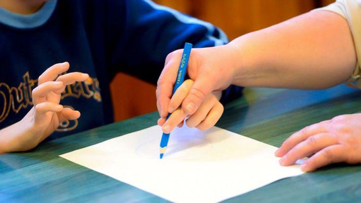 Elenco di operatori specialisti per l'assistenza a studenti disabili - http://www.canalesicilia.it/elenco-operatori-specialisti-lassistenza-studenti-disabili/ Assistenza Disabili, Messina, scuola