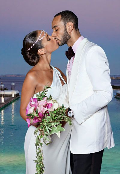 Alicia Keys looked goddess-like in an ivory silk, Grecian-inspired Vera Wang gown when she married Swizz Beatz at their 2010 Mediterranean affair. Just beautiful
