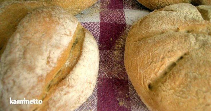 Tarifini ve yapım aşamalarını Erez Komarowski' den alarak yaptığım üçüncü ekmeğim bu topan ekmekler. İyice alıştım yapım aşamalarına. İlk...