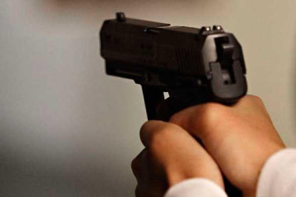 Serán consignados los ciudadanos armados: Almeida