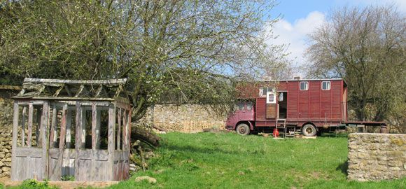 truck-and-the-old-shed