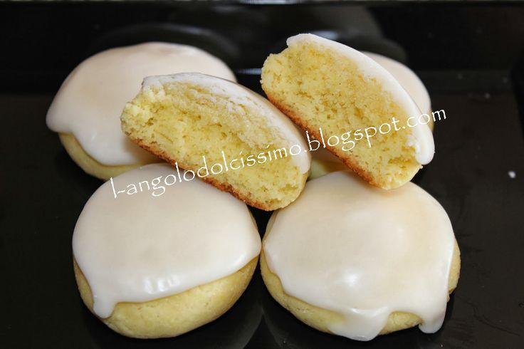 I miei biscotti preferiti, profumati e deliziosi.       Vassoio Poloplast          Ingredienti:  300 gr di farina 00  1/2 bustina di liev...