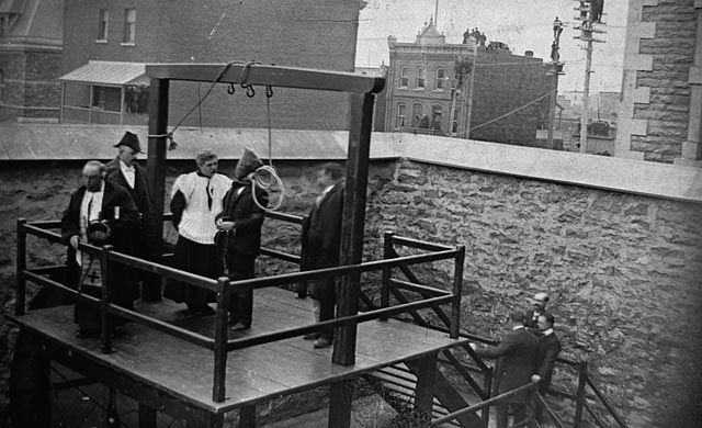 1902, was Canada's last public hanging. Took place in Hull, Quebec, Canada.